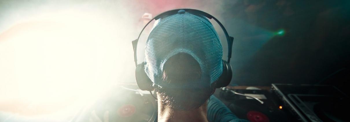 ¿Cual es el volumen adecuado para escuchar música?